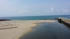 府屋海岸大川河口