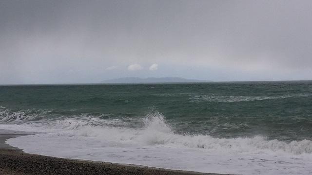府屋浜海岸大波