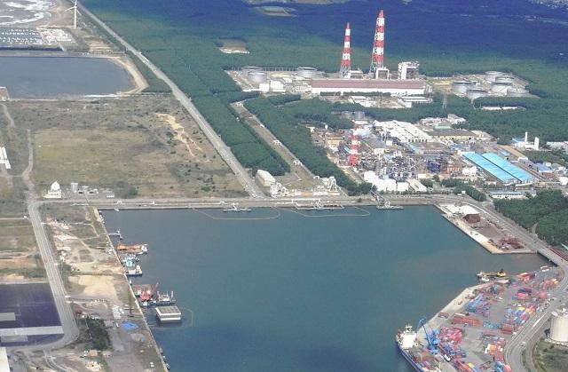 秋田火力発電所付近