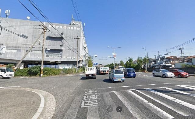 ホクシン前(貝塚白灯台)交差点1